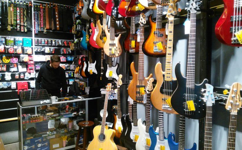 Bas Gitar'cıların uğrak yeri, Limon Müzik