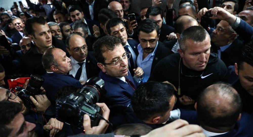 İmamoğlu belediye başkanlığı mazbatasını aldı