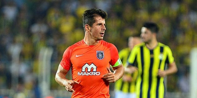 Emre Belözoğlu Fenerbahçe'ye dönüyor.