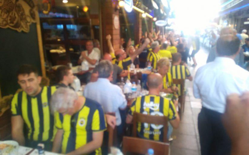 Kadıköy Tarihi Çarşı'da Fenerbahçe bereketi