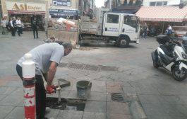 Kadıköy Belediyesi Yol Bakım ve Onarım Ekipleri çarşı içindeki yol onarımlarına devam ediyor