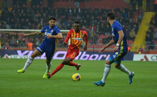 Fenerbahçe, deplasmanda Kayserispor'a 1-0 mağlup oldu