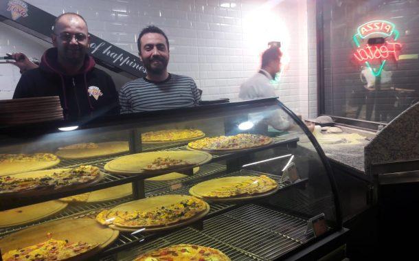 Festa Pizza,. ve üç üniversitelinin marka yaratma girişimi