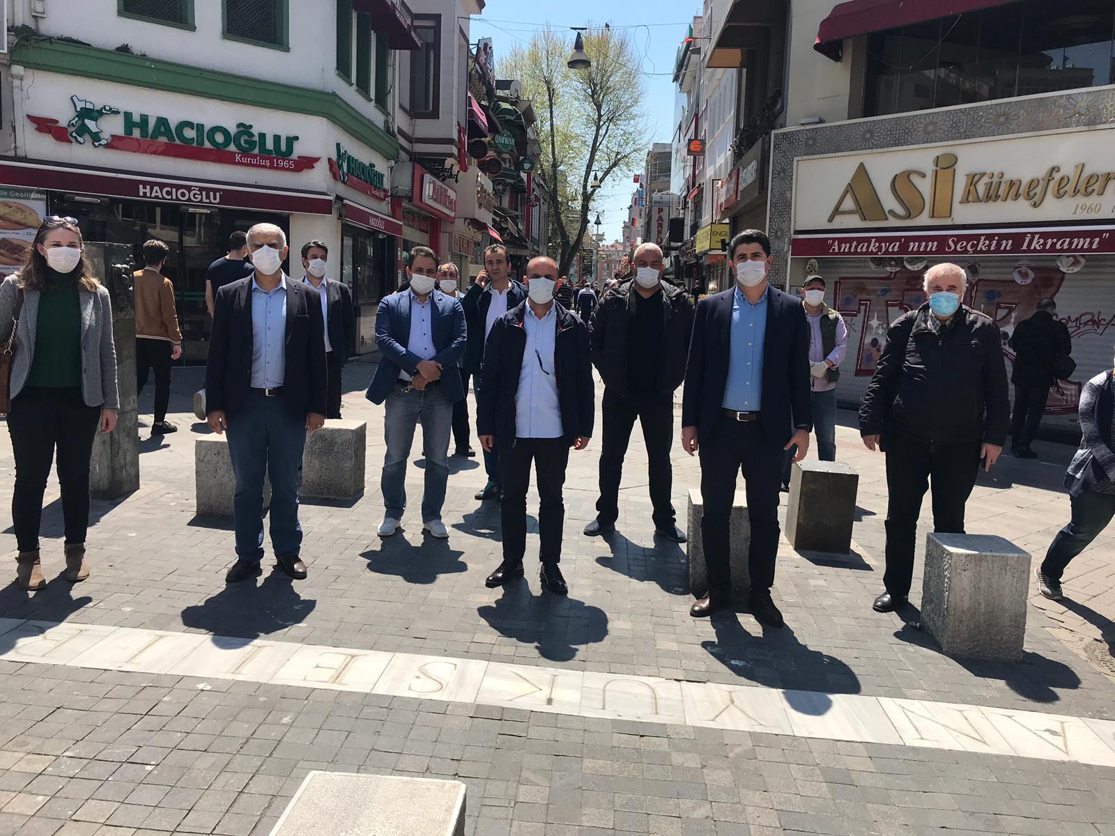 CHP 'den Kadıköy Tarihi Çarşı Esnafına , zor günlerinde anlamlı ziyaret