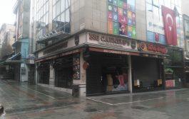 Kadıköy Tarihi Çarşı'da son günlerde, kapalı olan bir kısım  iş yerlerine karşı hırsızlık olayları baş gösterdi
