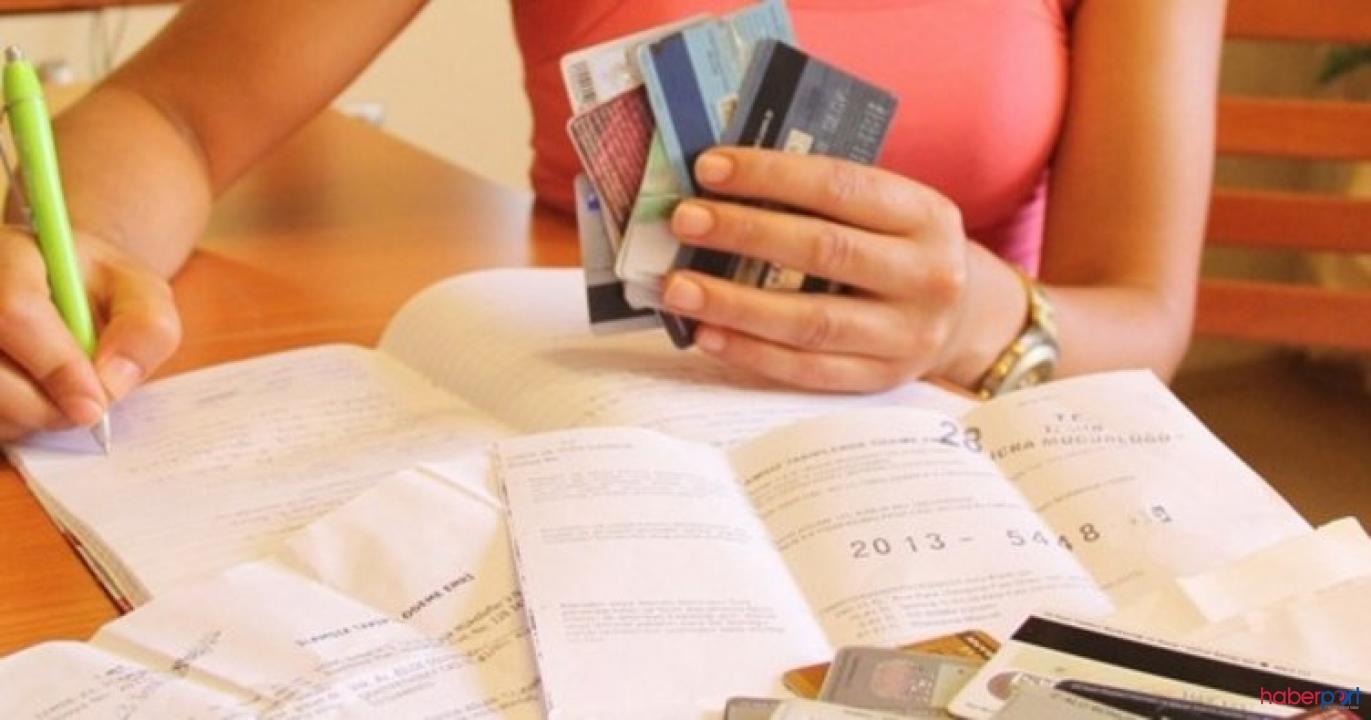 Bu bankalara kredi kartı borcu olanlar çok sevinecek! Salgın nedeniyle erteleyebilirsiniz!