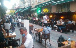 Kadıköy Tarihi Çarşı'da esnafın yüzünü güldüren yoğunluk