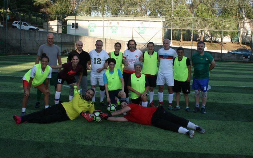 Kadıköy Çarşıspor Bayan Futbol Takımı hazırlık maçında , erkekler takımına 10-5 fark attı,.