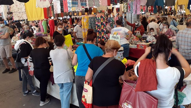 İstanbul'da semt pazarlarında HES KODU UYGULAMASI başladı
