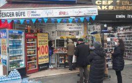 Yılbaşı Piyangosu'nda büyük ikramiye hayali , Kadıköy Çarşı'da kuyruklar oluşturmaya başladı