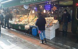 Kadıköy Çarşı'da, Kadı Nimet  Balıkçılık Büfesi
