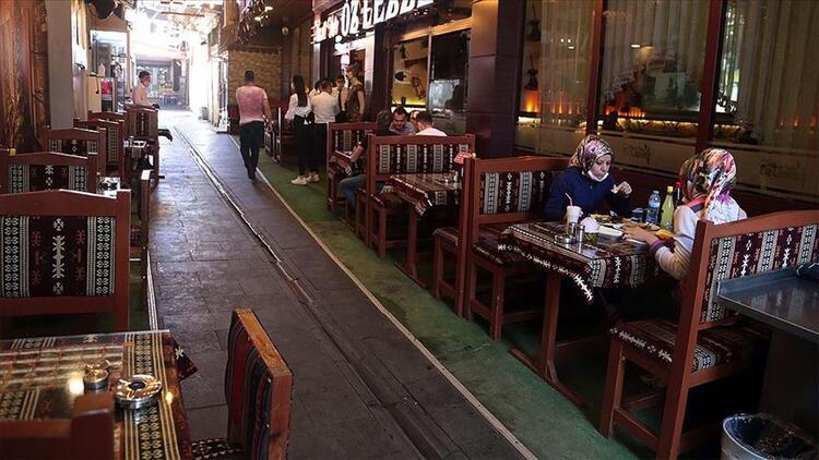 Kafeler, restoranlar ve lokantalar ne zaman açılacak? Gözler kafe, lokanta ve restoran açılış tarihlerinde