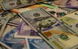Vatandaşlar 1 milyar dolarlık döviz sattı