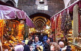 'Mısır Çarşısı esnafı baharat değil, arabasını evini satıyor'